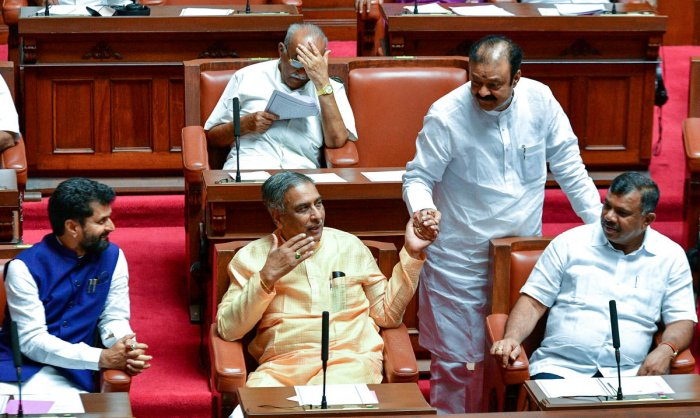 MLC and senior JD(S) leader Basavaraj Horatti urged the government to lay out the facts clearly and solve the confusion. Photo/PV