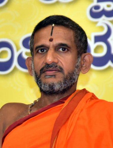 Vishwaprasanna Theertha Swami