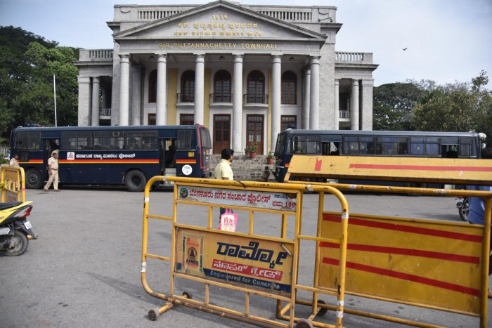 The barricades set up by the police outside Town Hall were not yet removed on Saturday. DH PHOTO/S K Dinesh