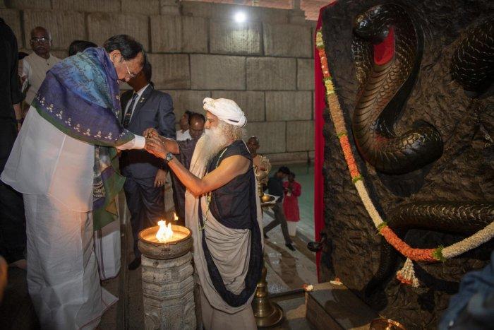 Vice President of India Venkaiah Naidu on Friday evening inaugurated the 26th annual Maha Shivratri celebrations at the Isha Yoga Kendra organised by Isha Foundation of noted spiritual leader Sadhguru Vasudev on the outskirts of Coimbatore in Tamil Nadu. Credit: DH Photo