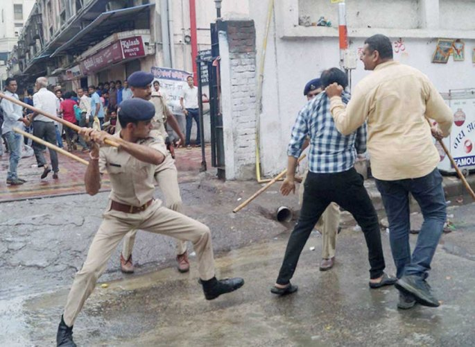 Traders detained for protesting against GST implementation
