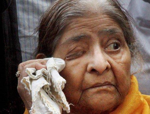 Gujarat riot survivor moves HC over clean chit to Modi
