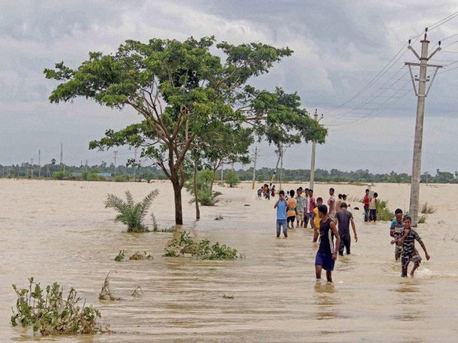 Rescue teams in Gujarat, Rajasthan & MP to tackle flood