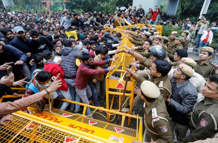An FIR at New Friends Colony Police Station was registered on December 16 on charges of rioting, arson, unlawful assembly and damage to public property in connection with the violence near Jamia Millia Islamia on December 15. Reuters file photo