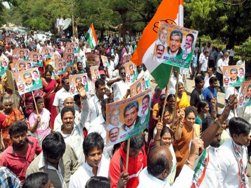 Gujarat Cong leaders, workers arrested ahead of massive rally