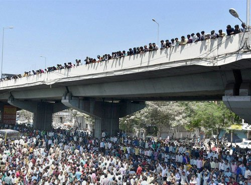 Gujarat: Curfew in Mehsana, Patel agitation turns violent
