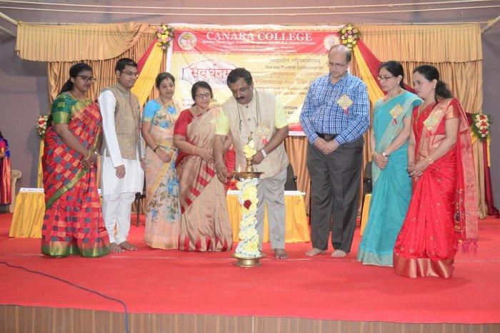 KKSU, Nagpur, vice chancellor Prof Shrinivas Varakhedi inaugurates 'Samvardhanam', a one-day national conference on Sanskrit at Canara High School Campus in Dongarakeri, Mangaluru, on Monday.