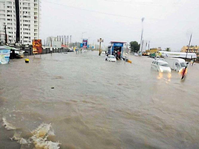 3 killed as rain batters Gujarat