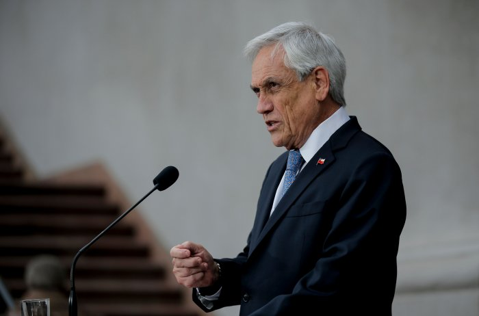 Chilean president Sebastian Pinera speaks during a press conference at La Moneda Presidential Palace in Santiago. (AFP Photo)