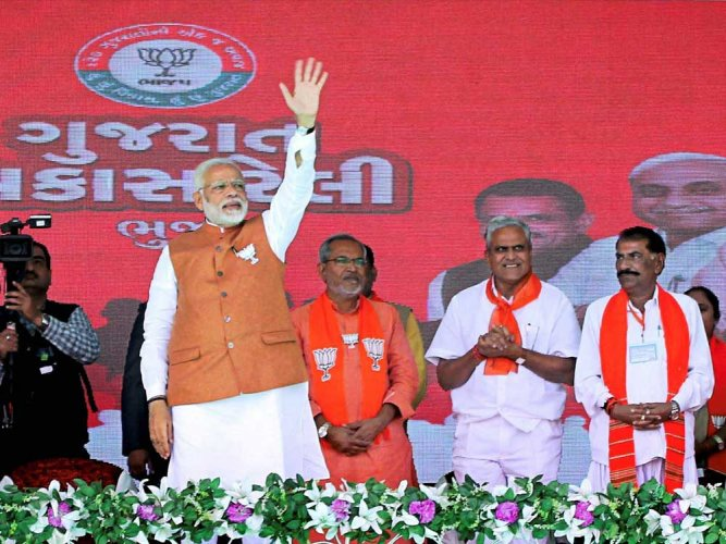 I am son of Gujarat and people will not forgive those who insult me, says Modi