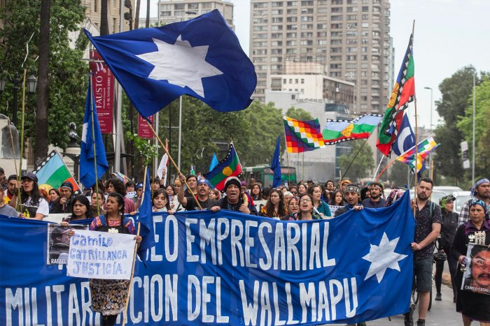 Chilean mapuches demonstrate in Santiago, on October 26, 2019, a day after more than one million people took to the streets for the largest protests in a week of demonstrations. (AFP Photo)