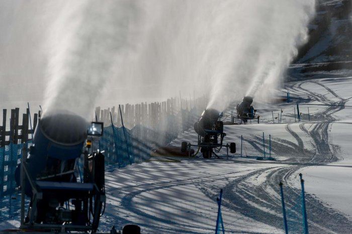 Snow cannons spray artificial snow on a ski slope at El Colorado skiing centre, in the Andes Mountains, some 30 km from Santiago on August 8, 2019. Photo/AFP