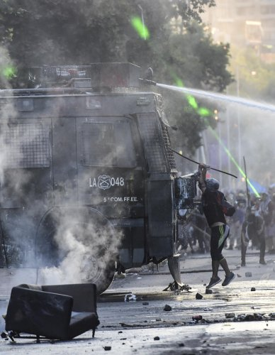 """Interior Minister Gonzalo Blumel issued a """"deep and sincere call to all political forces"""" to end the unrest. Photo/AFP"""