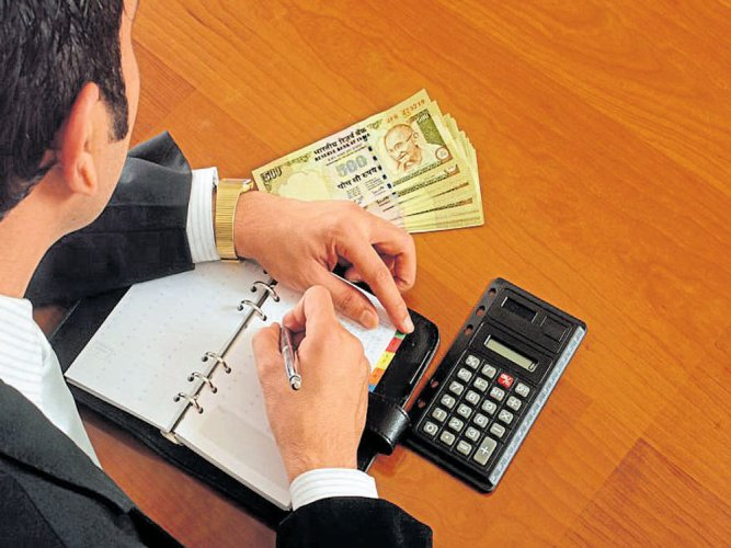 Govt extends service tax return filing date to Apr 30