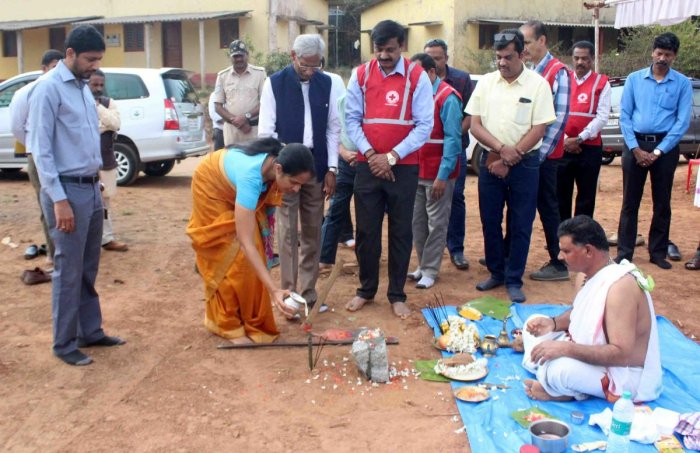 Deputy Commissioner Annies Kanmani Joy performed ground-breaking for Red Cross Bhavan at Stewart Hill in Madikeri on Thursday. DH Photo