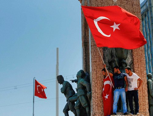 Turkish govt cracks down after coup try; 6,000 detained