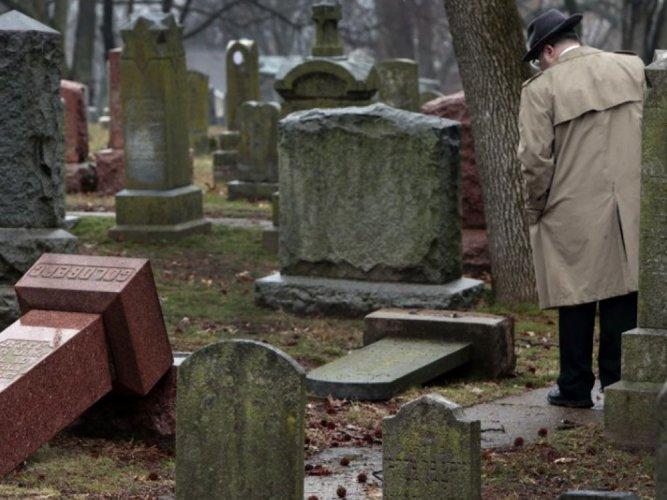 Muslim-Americans raise USD 55,000 to repair Jewish cemetery