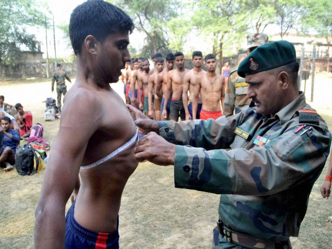 Over 71,000 Guj youth register online for recruitment to Army