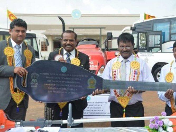 India grants USD 585,000 aid to university in Sri Lanka