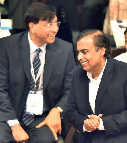 RIL to invest Rs 5,000 cr in WB