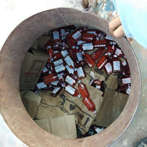 The liquor which was being transported illegally to Yadgir. dh photo