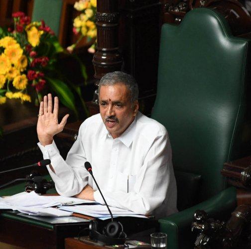 Speaker of Karnataka Legislative Assembly, Vishweshwar Hegde Kageri addressing the Assembly Session at Vidhan Soudha, in Bengaluru. Photo/ B H Shivakumar