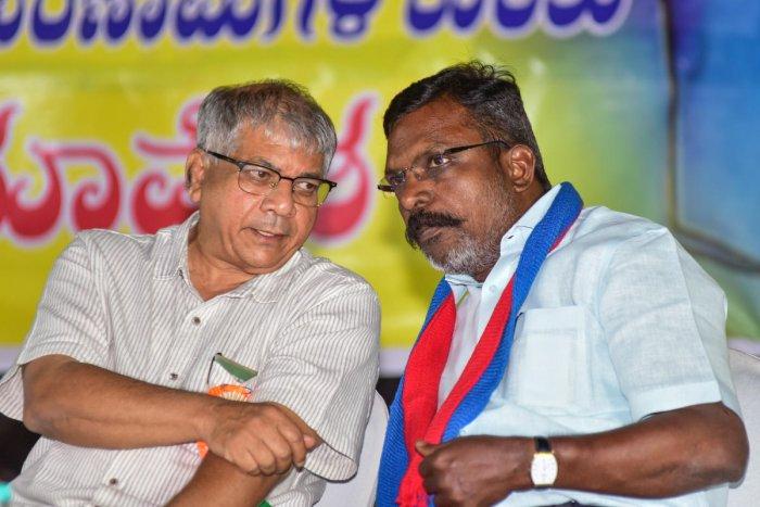 Prakash Ambedkar and Thol Thirumavalavan at a rally in Bengaluru on Wednesda. DH PHOTO/S K DINESH