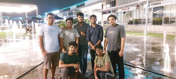 Karnataka students stranded in the Philippines. DH Photo.