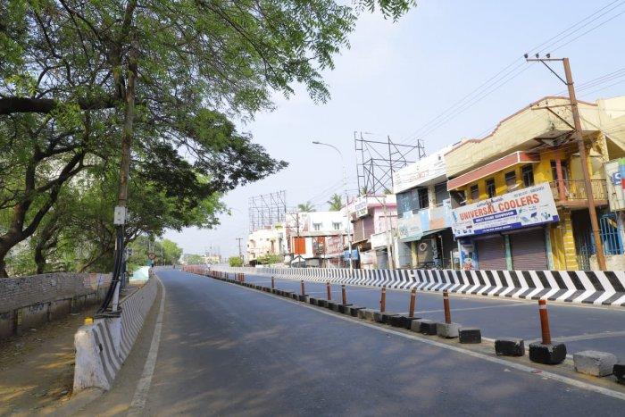 Empty streets of Thanjavur, Tamil Nadu. Credit: Twitter (pibchennai)