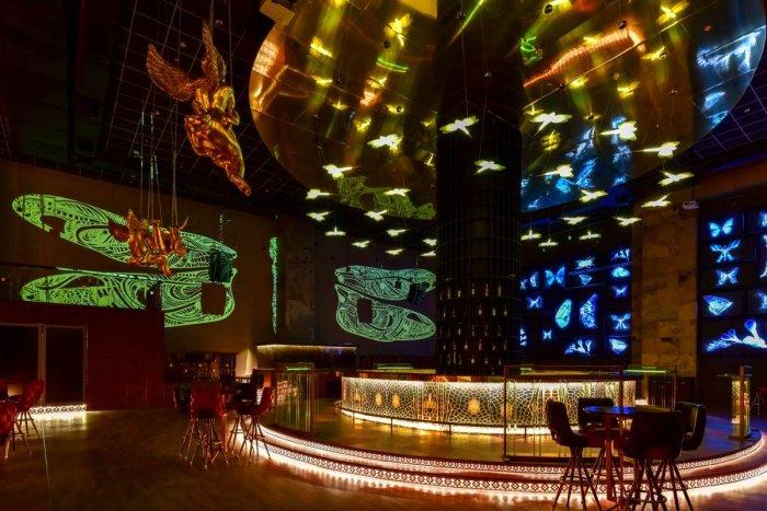 Dragonfly bar in Mumbai