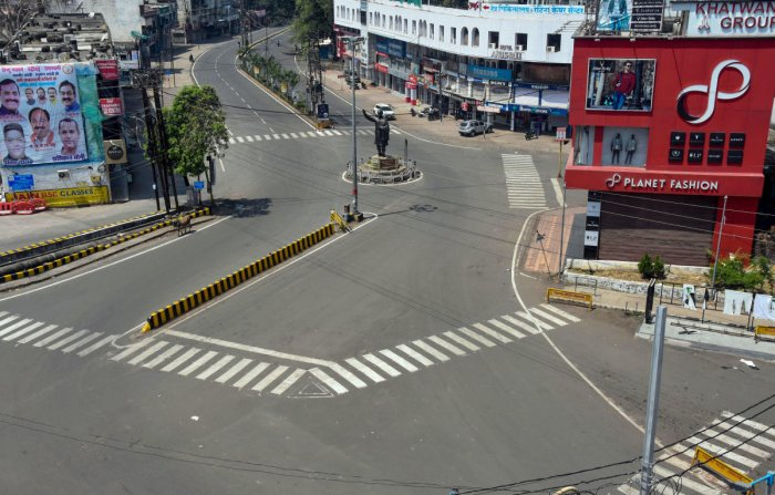 A deserted view of a street deserted during Janta curfew in the wake of deadly coronavirus, in Jabalpur, Sunday, March 22, 2020. Credit: PTI Photo