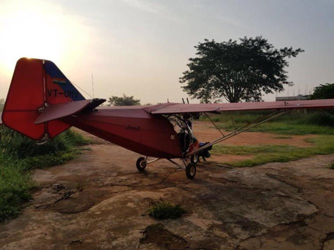 The bright-red two-seater aircraft, an X Air attached to Bangalore Aerosports, a dedicated microlight flying centre,force-landed at an open field near East Point Hospital on the eastern outskirts of Bengaluru.