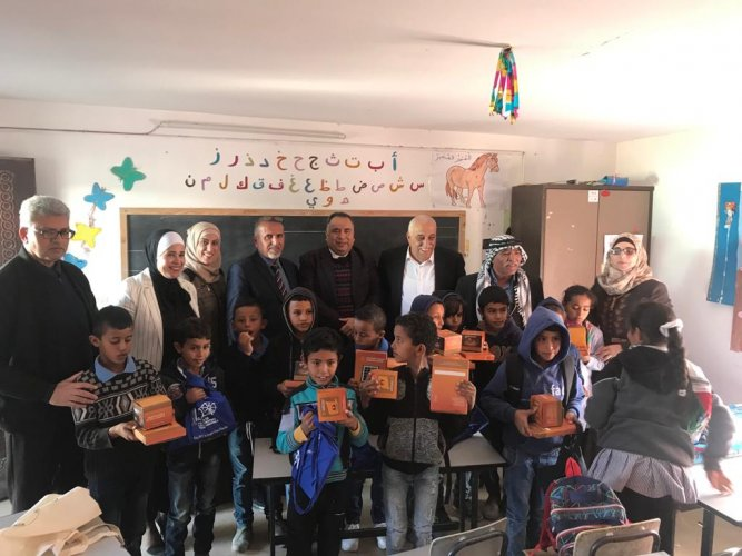 India donates solar-powered study lamps to Palestine elementary students. (Twitter @airnewsalerts)