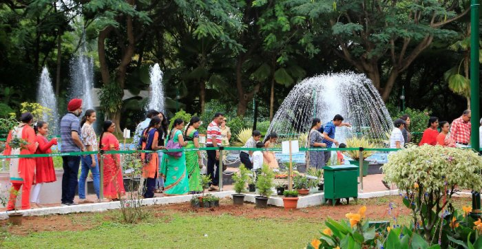 Visitors throng the Raj Bhavan on Thursday.