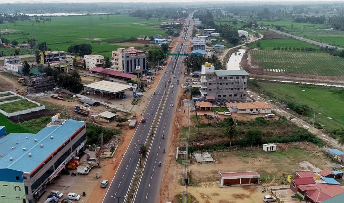 A view of the Bengaluru-Mysuru highway captured by a drone camera. DH FILE PHOTO