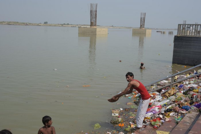 Govt allocated Rs 20,000 cr for cleaning Ganga in last 5 years. (DH Photo)