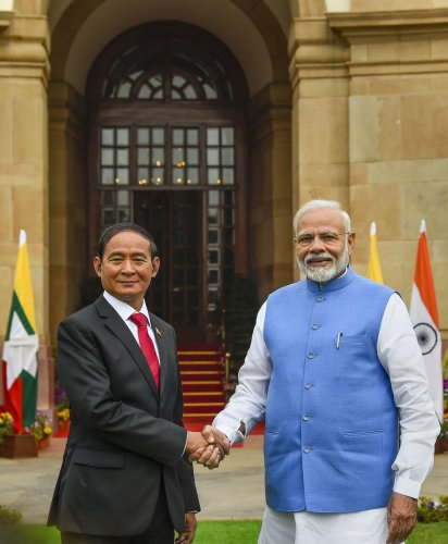 Myanmarese President U Win Myint meets Prime Minister Narendra Modi