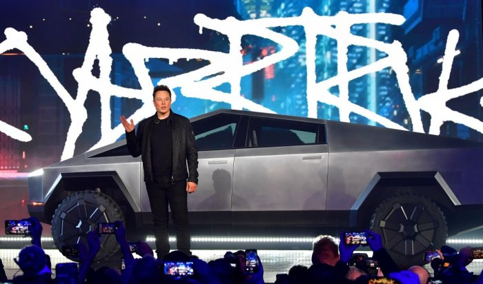 Musk has been promoting the Cybertruck on Twitter and cryptically tweeting out updates to the number of orders the company has received since the launch late Thursday. (Photo by AFP)