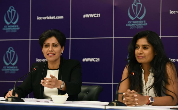 Cricketer Mithali Raj and former cricketer turned commentator Anjum Chopra (L) address a press conference regarding the ICC Women's Championship in New Delhi on October 9, 2017. Credit: AFP Photo