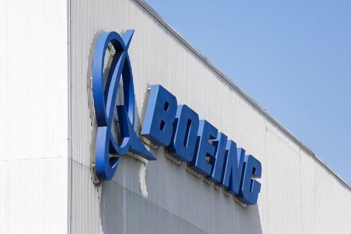 the Boeing logo is pictured at its Renton Factory, where the Boeing 737 MAX airliners are built in Renton, Washington. (AFP photo)