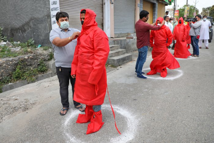 Eight persons -- seven in Kashmir and one in Udhampur district of Jammu -- died due to the disease, while over 550 others were tested positive. (Credit: PTI Photo)