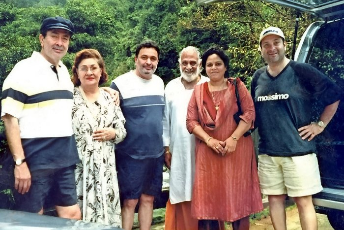 Rishi Kapoor with family members during their visit to Kukke Subrahmanya Temple.