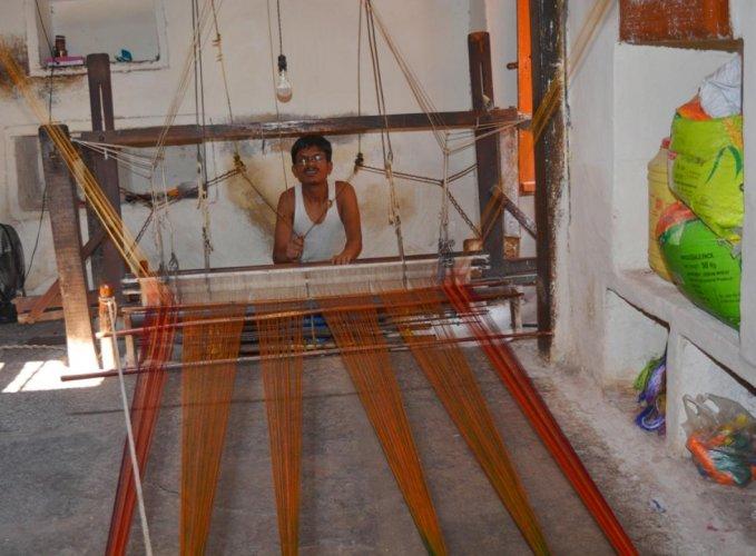 Bagalkot weaver
