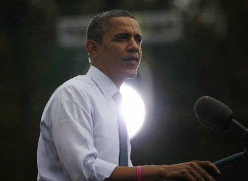 Obama gets a boost from fall in unemployment