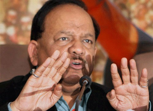 No ebola case in India, no need for panic: Vardhan