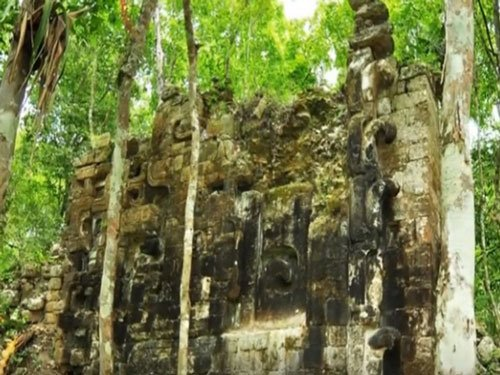 Teen discovers lost ancient Mayan city in Mexico