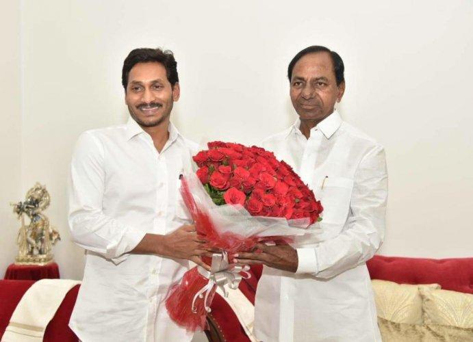 file photo of Telangana CM K Chandrasekhar Rao and Andhra Pradesh CM YS Jaganmohan Reddy