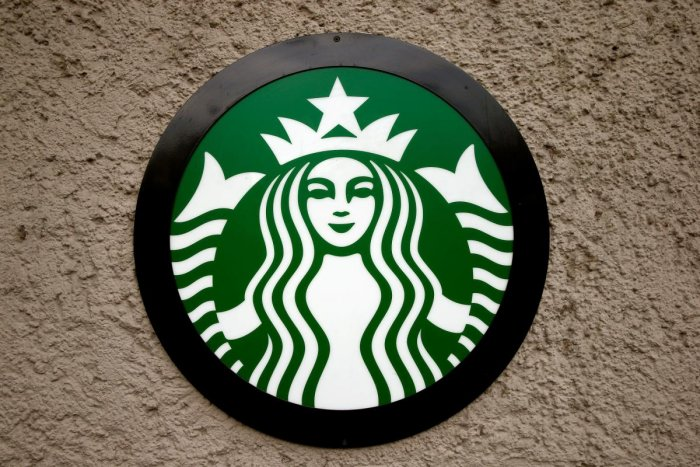 The company's logo is seen at a Starbucks coffee shop in Zurich, Switzerland October 27, 2016. (Reuters Photo)