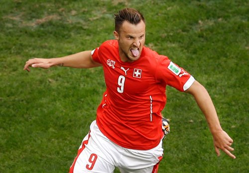 Switzerland snatch win in dying minutes from Ecuador