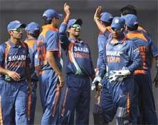 Indian cricket team leaves for Colombo